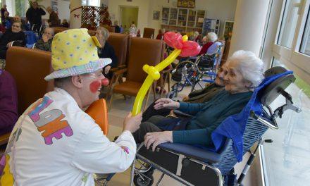 Clown alla casa di riposo S. Crispino