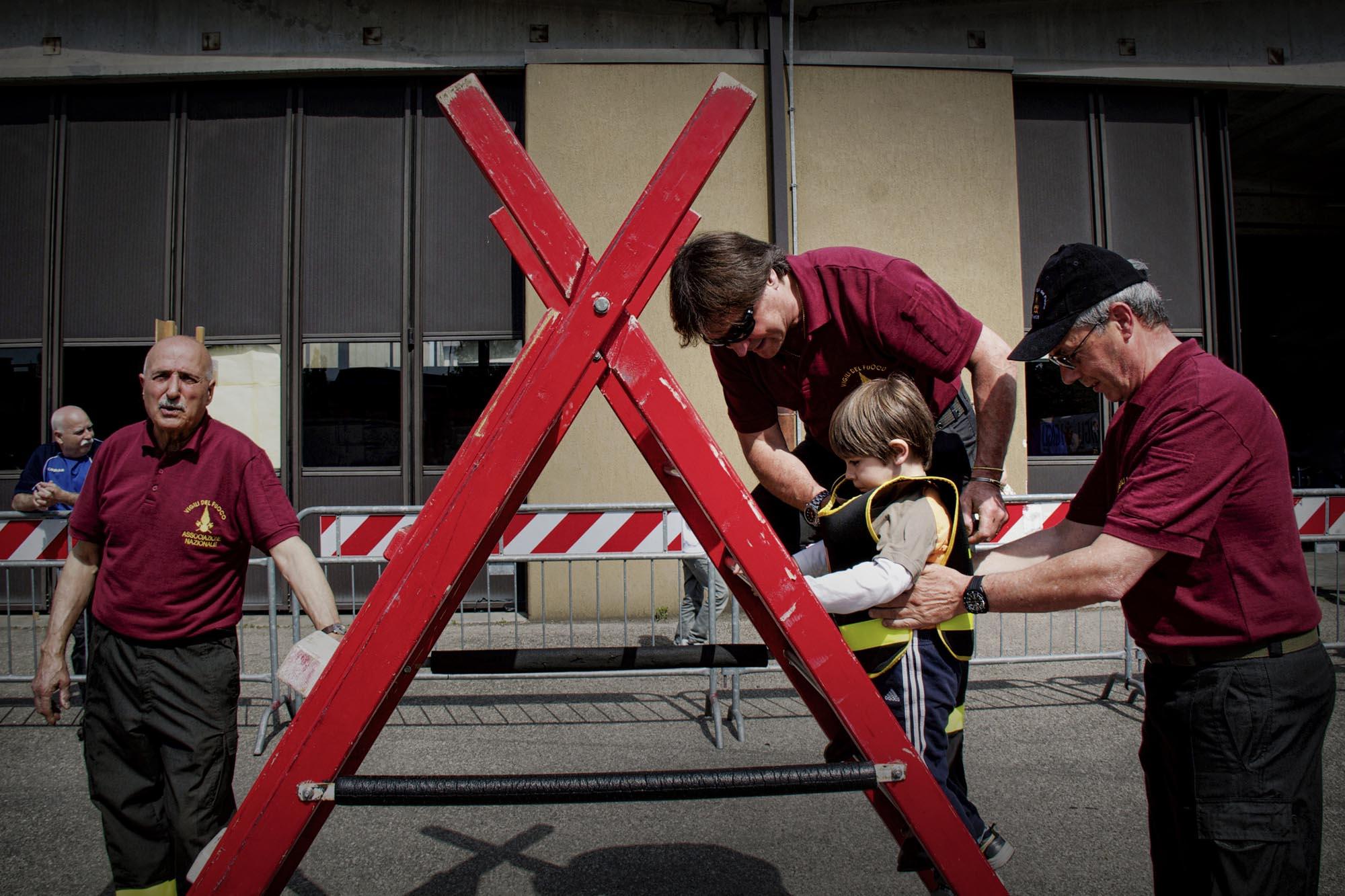 0029 pompieropoli esercitazioni antincendio bambini 4 - Pompieropoli, esercitazione antincendio con i bambini
