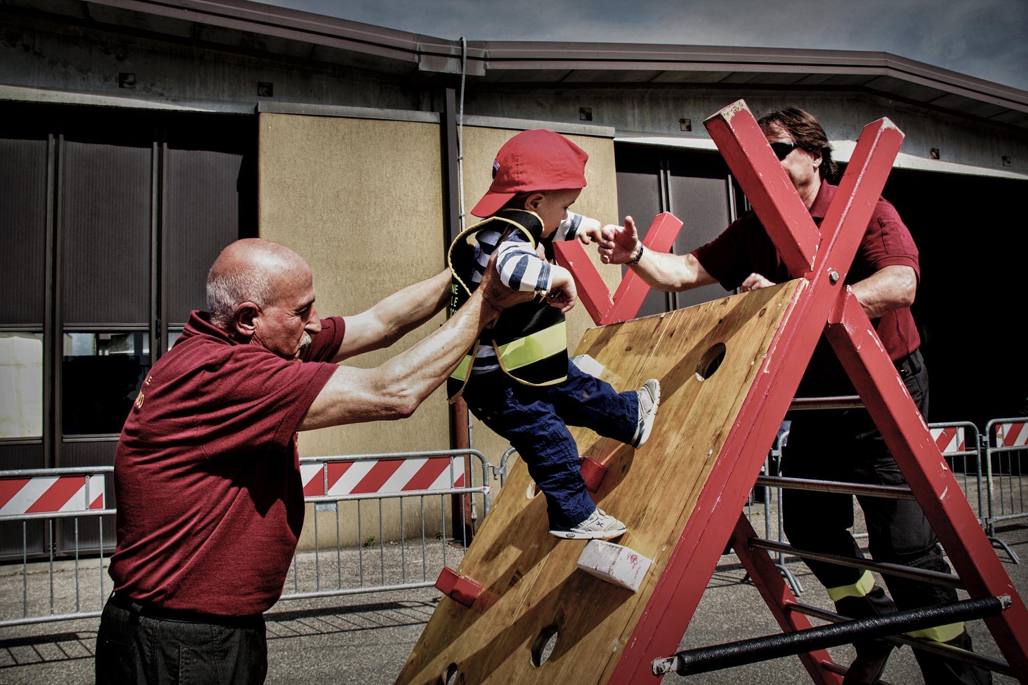 0029 pompieropoli esercitazioni antincendio bambini - Pompieropoli, esercitazione antincendio con i bambini