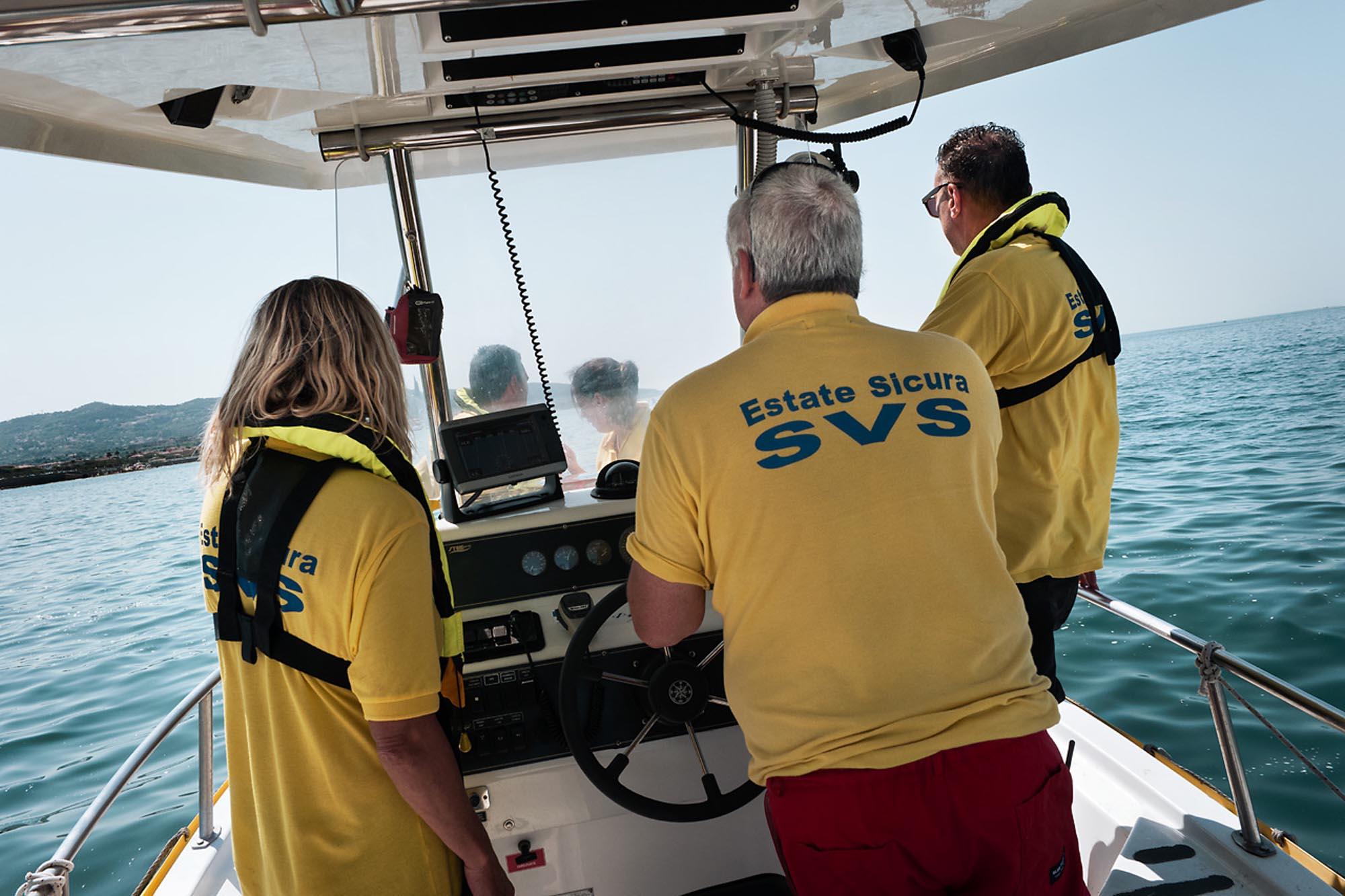 0037 Volontari sicurezza mare 2 - Storie di volontariato toscano