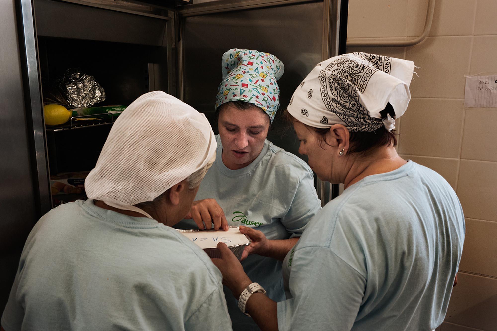 0037 cucina solidale - Storie di volontariato toscano