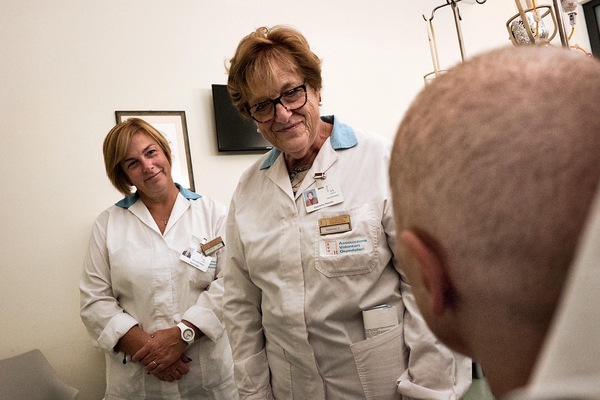 0037 volontari in ospedale - Storie di volontariato toscano