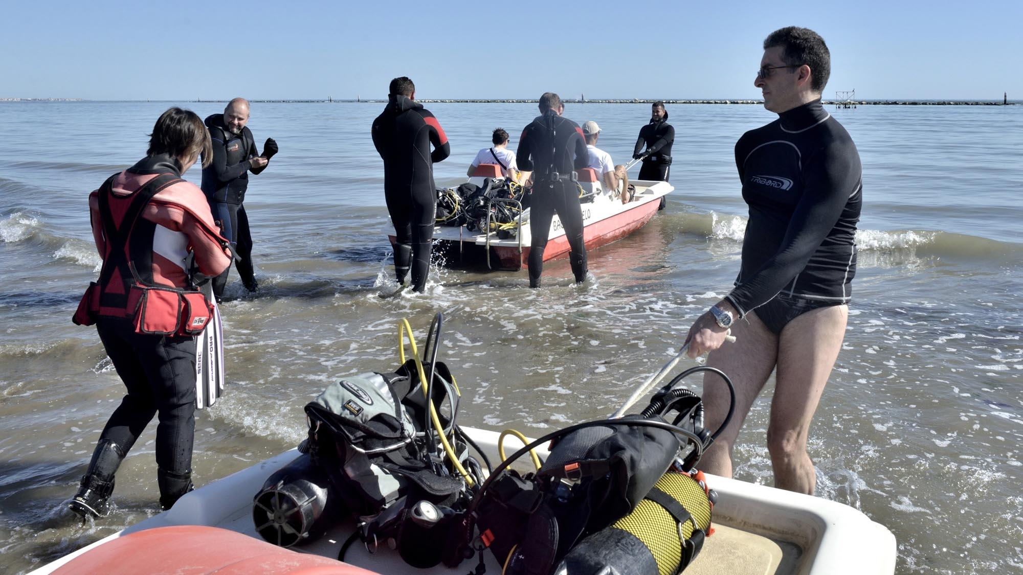 0106 volontari ambiente spiaggia mare puliti 3 - Ambiente, fondali puliti