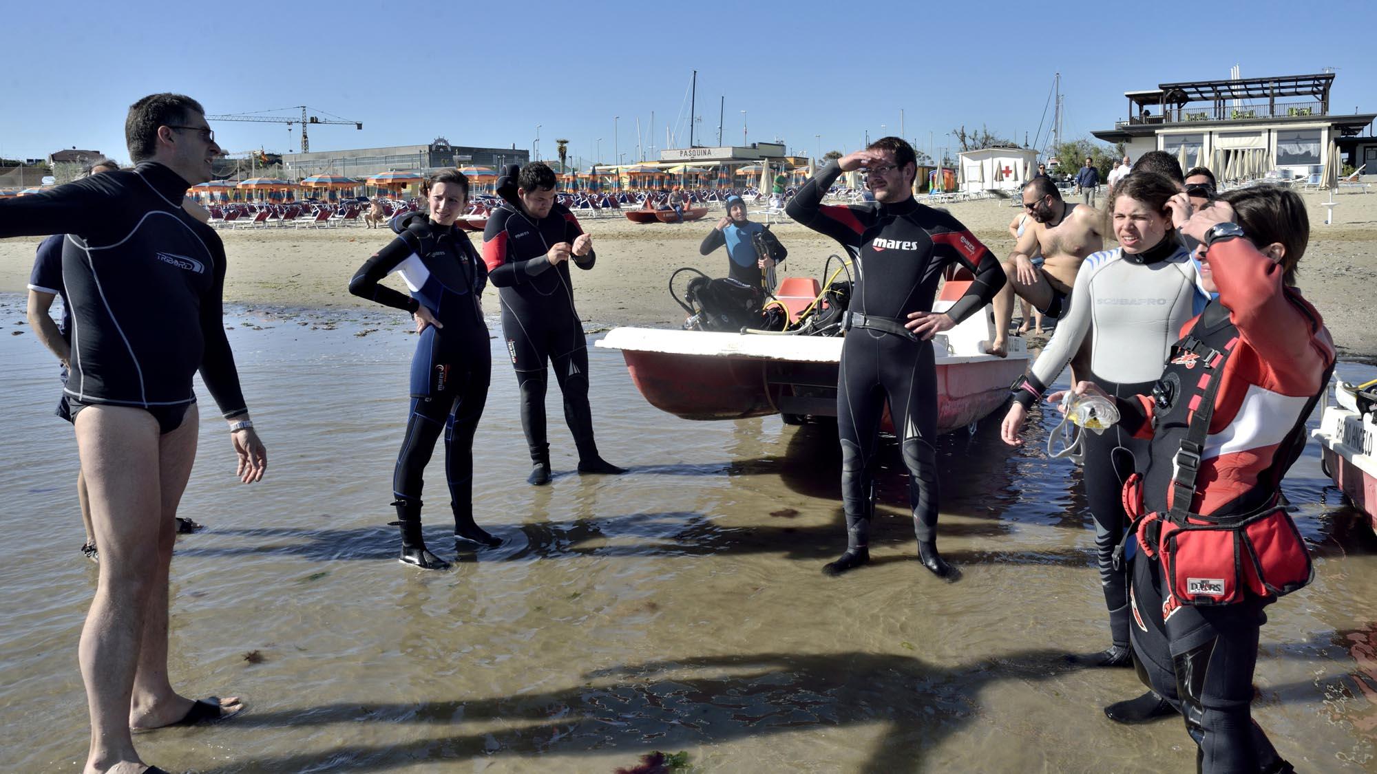 0106 volontari ambiente spiaggia mare puliti 4 - Ambiente, fondali puliti