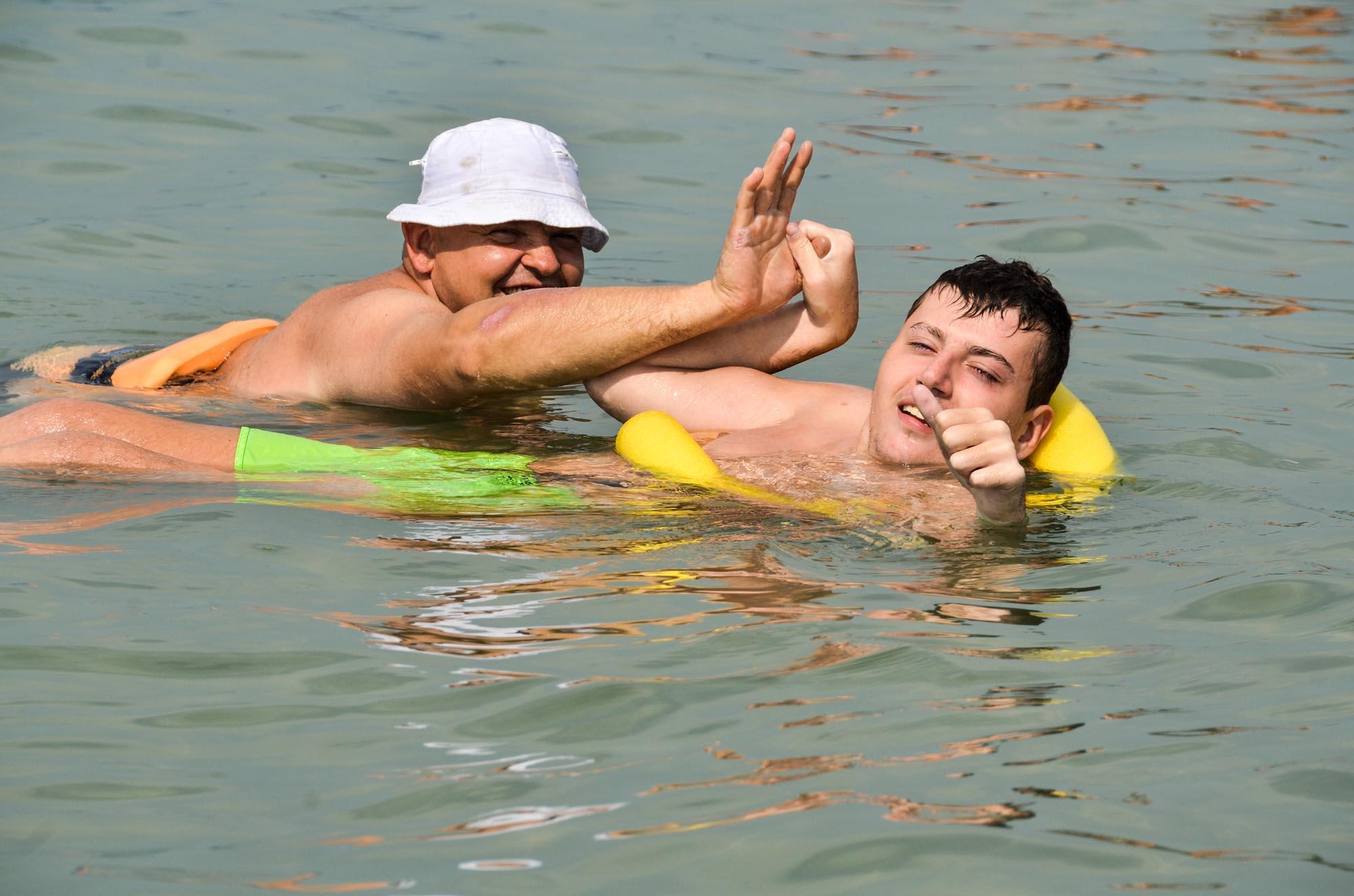 0145 Assistenza in spiaggia alle persone con disabilita 2 - Assistenza disabili in spiaggia, tutti al mare