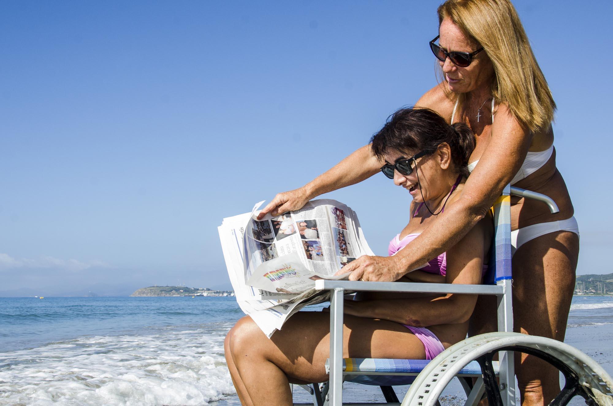 0145 Assistenza in spiaggia alle persone con disabilita - Assistenza disabili in spiaggia, tutti al mare