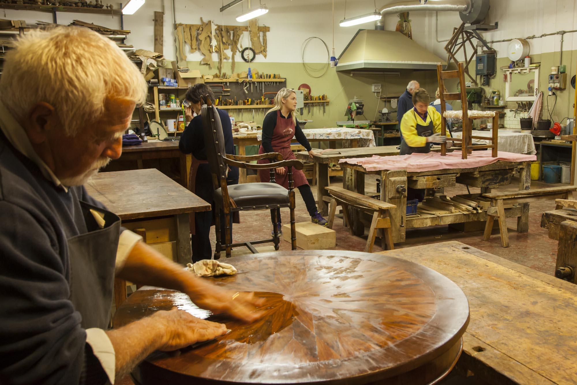 0187 Lavori di artigianato - Artigianato, maestrie d'altri tempi