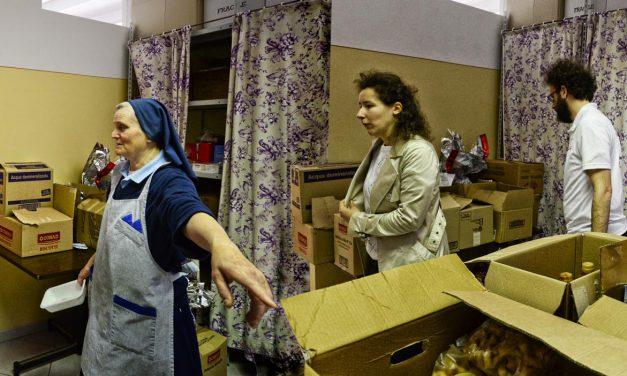 Accoglienza pellegrini, suor Ginetta & friends