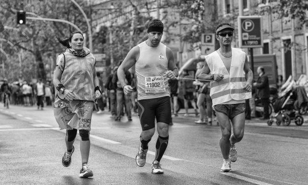 Volontari della maratona a Firenze