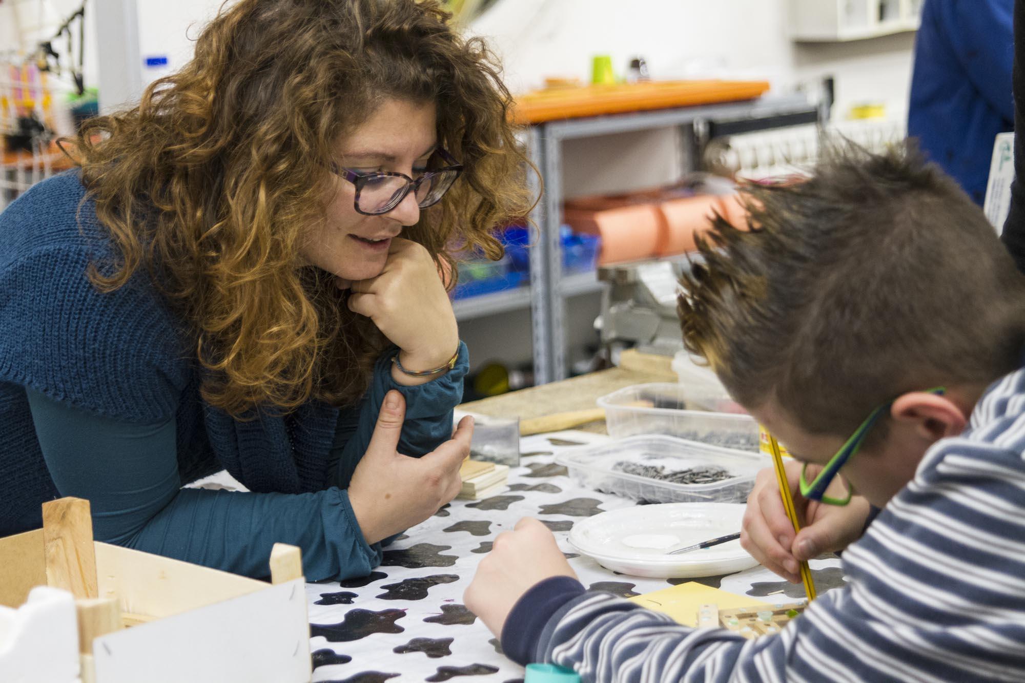 0540 Laboratorio creativo bambini ragazzi 1 - Laboratorio per bambini al Centro Babilonia
