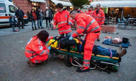 Esercitazione di primo soccorso, demo in piazza